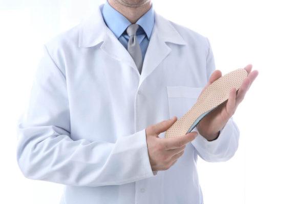 Wkładki ortopedyczne na płaskostopie – właściwości i zastosowanie